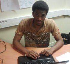 Rencontre avec Olabissi Adjovi, fondateur de ouicarry.com